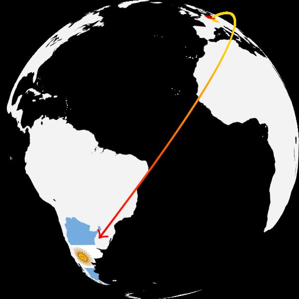 Globus mit Sicht auf Südamerika; ein Pfeil weist von Deutschland nach Argentinien